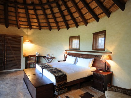 Mopane Bush Lodge Chalet (hi-res image)